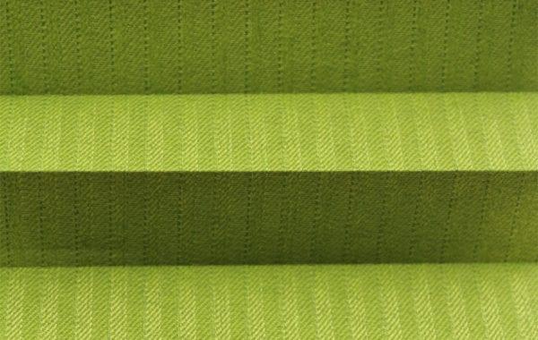 Plissee Awangarda in grün - isolierend, blickdicht, Nadelstreifenoptik